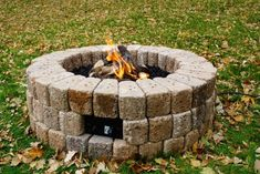 easy way to build a fire pit 2 – Fire pit ideas Diy Gas Fire Pit, Outdoor Propane Fire Pit, Natural Gas Fire Pit, Cool Fire Pits, Fire Pit Backyard, Backyard Patio, Fire Pit Burner Kit, How To Build A Fire Pit, Rustic Fire Pits