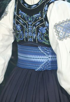 Folk Costume, Costumes, Clowning Around, Narnia, Traditional Dresses, Norway, Concept Art, Art Ideas, Embroidery