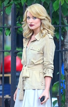 A very blonde Olivia Wilde films a commercial for Revlon in NYC! Love the new hair - or hate it?