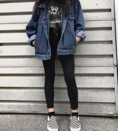 I will casually point out that checkered vans is definitely not the move but the rest of this is cute asf #fashion #outfits #dark #black Ulzzang Fashion, 90s Fashion, Hijab Fashion, Korean Fashion, Estilo Grunge, Jean Jacket Outfits, Vans Outfit, Grunge Outfits, Casual Outfits