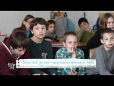 Een mooi voorbeeld, de spiekvideo van basisschool De Trinoom waarin leerlingen alle kinderen van Nederland oproepen om veilig met social media om te gaan. Ze komen met zes concrete geheugensteuntjes waar elk kind aan moet denken als het iets op onder andere Hyves, Twitter of Facebook doet.