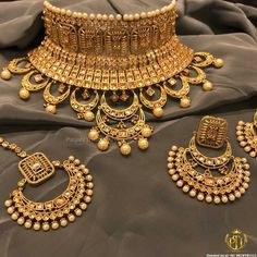 How To Clean Gold Jewelry With Baking Soda Indian Bridal Jewelry Sets, Wedding Jewelry Sets, Clean Gold Jewelry, Gold Jewellery Design, Bengali Bride, Punjabi Bride, India Jewelry, Indian Weddings, Diamond