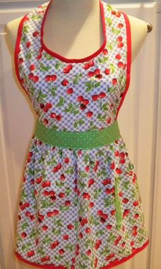 retro style apron, so cute