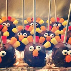 Gobble, Gobble! #cakepops #friendsgiving #turkeys