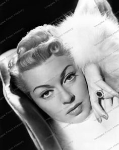 22 years old.Lover of old hollywood and anything vintage. Golden Age Of Hollywood, Hollywood Stars, Classic Hollywood, Old Hollywood, Hollywood Glamour, Older Actresses, Hollywood Actresses, Lana Turner, Jack Warner