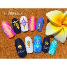 WEBSTA @ alohaaya26 - SURFネイティブ* 得意なグラデーションベースにネイティブ柄を描きました **#ネイル#nail#nails#nailart#aloha#surf#shell#starfish #アロハ#サーフ#シェル#ヒトデ#タツノオトシゴ#アロー#フェザー#ターコイズ#ネイティブ柄#マットコート#hawaii#ハワイ