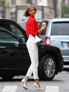 Karlie Kloss looking fab.