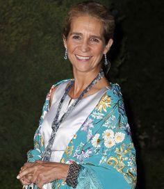 La reina Sofía sigue dejando sus joyas personales a la infanta Elena #realeza #royalty