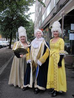 Anna Sirénille tuli vähän nukkavieru olo ruokatunnilla,  kun hän törmäsi kuninkaalliseen seurueeseen. Kustaa III ennakoi #Tampere-päivää.