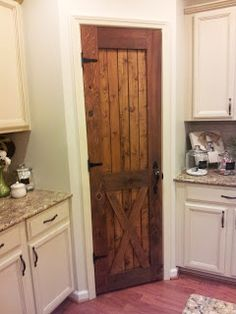 Southern Grace: DIY: Pantry Door Tutorial