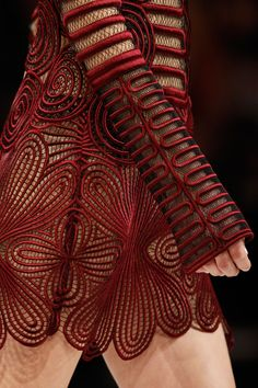 Christopher Kane Fall 2013 RTW - Review - Fashion Week - Runway, Fashion Shows and Collections - Vogue - Vogue