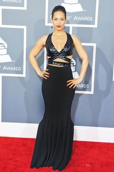 Alicia Keys looks amazing in this black cut out #dress.
