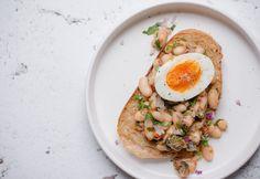 Zöldfűszeres babsaláta Hummus, Risotto, Ethnic Recipes, Food, Plating, Essen, Meals, Yemek, Eten