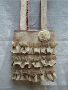 love this burlap tote! Would be cute with flowers in to hang