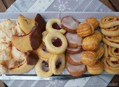 Ciasteczka adwentowe-6 sprawdzonych przepisów - przepis ze Smaker.pl Polish Recipes, Cannoli, Cakes And More, Dory, Cake Cookies, Truffles, Christmas Cookies, Doughnut, Tapas