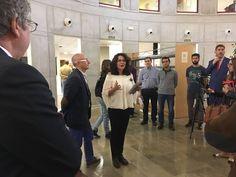 """Inauguración de la muestra bibliográfica organizada por la Biblioteca de la ETSIIT en """"Homenaje a los estudios de informática y telecomunicación en la Universidad de Granada"""" #bibliotecaugr #exposiciones #ETSIIT"""