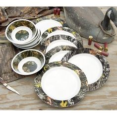 Dinnerware Set Camo, soooo this gonna be on your bridal registry? I mean if so I'll just buy it now lol