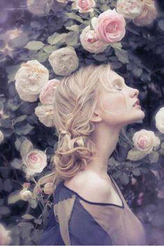 ❀ Flower Maiden Fantasy ❀ beautiful art & fashion photography of women and flowers - Pre Raphaelite-esque