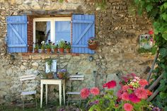 Your Guide to France in April