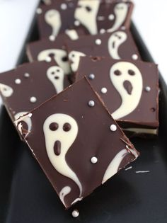 This ghastly candy bark is so quick and easy it makes a perfect last-minutes Halloween treat!   The Simple Sweet Life