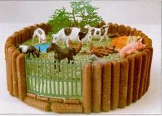 Farmyard Birthday cake: I made one like this for Ck's 3rd birthday pre-school cake. It was so easy to do and I put enough animals on top for all of her pre-school friends to take one home.