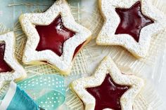 Peekaboo Shortbread Stars Filled with ruby red jam and topped with a dusting of icing sugar, these sandwich cookies are perfect for your next holiday baking exchange. For a variety of colours, use a few different types of jam—apricot, blueberry and black currant are great options. 7 shortbread cookie recipes to make this holiday season - Canadian Living