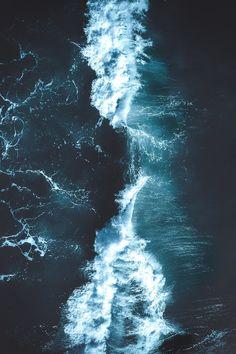 Wave, aerial photography, ocean, sea, dark Source by mollylbergquist Ocean Wallpaper, Tumblr Wallpaper, Nature Wallpaper, Of Wallpaper, Wallpaper Backgrounds, Trendy Wallpaper, Summer Wallpapers Tumblr, Cute Wallpapers, Phone Wallpapers
