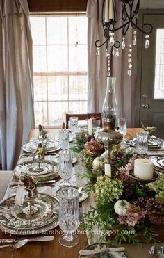 Easy DIY Thanksgiving Centerpieces for a Picture-Perfect Table Diy Thanksgiving Centerpieces, Thanksgiving Table Settings, Thanksgiving Tablescapes, Holiday Tables, Table Centerpieces, Christmas Tables, Oil Lamp Centerpiece, Centrepieces, Thanksgiving Ideas