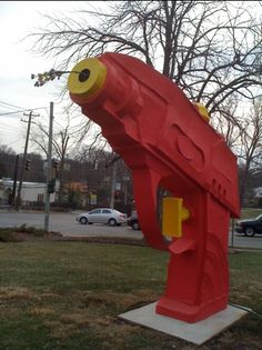Giant squirt gun sculpture in Cincinnati. Sculpture at the Clifton Cultural Arts Center on Clifton Ave.