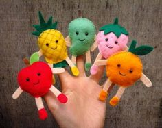 Fruit finger puppets puppets Woodland Creatures Finger Puppets Set of 5 Glove Puppets, Felt Puppets, Puppets For Kids, Felt Finger Puppets, Hand Puppets, Puppet Crafts, Felt Crafts, Diy And Crafts, Sewing Toys