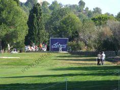 ¿Conoces el Campo de Golf Mediterráneo? En http://www.golfsencillo.com/campos/spain/castellon/mediterraneo-golf  tienes toda la información.