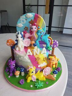 little poney theme Baking Recipes, Cake Recipes, My Little Pony Cake, Alice In Wonderland Cakes, Little Poney, Blue Cakes, Cupcake Cookies, Cupcakes, How To Make Cake