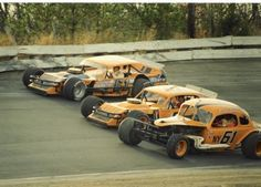 Richie Evans modifieds Dirt Racing, Nascar Racing, Auto Racing, Vintage Race Car, Vintage Auto, Cowgirl Photo, Old Race Cars, Sprint Cars, Modified Cars
