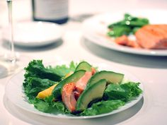 Salmon Lettuce Wraps and How to Sear Salmon {recipe} (via Luxefinds.com)