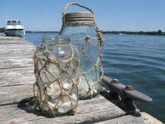 Como forrar con cuerda botellas o botes de cristal. Genial tutorial