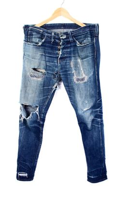 worn in & ripped denim http://www.99wtf.net/young-style/urban-style/what-is-urban-fashion/