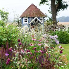 Do you like cottage style? Then visit @denengelskatradgarden