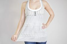 Searching for shirts to hide belly fat is a challenge for many women. With so many clothing options available, there is surely a way to make your midsection look leaner and better. The keys to finding the best shirts to camouflage belly fat lie in balancing your figure and paying attention to fit. V-neck A …