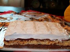Parisul in flacari - imagine 1 mare Sweet Tarts, Pavlova, Something Sweet, Dessert Recipes, Desserts, Nutella, Cheesecake, Food And Drink, Yummy Food