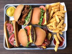 Shake Shack Unveils Vegetarian Burger You Can Swoon At Till The Cows Come Home Bento Recipes, New Recipes, Burger Stand, Korean Fried Chicken, Seattle Food, Frozen Custard, Shake Shack, Delicious Burgers, Kimchi