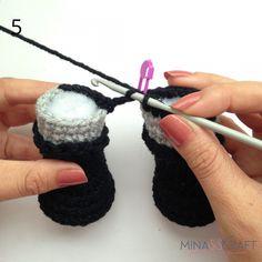 Batman Amigurumi – Minasscraft Patrones Amigurumis Barbie Knitting Patterns, Crochet Dolls Free Patterns, Crochet Doll Pattern, Amigurumi Patterns, Crochet Shawl Free, Crochet Art, Batman Crochet, Batman Amigurumi, Crochet Baby Toys