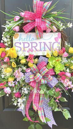 Spring Wreath Spring Wreath For Front Door Grapevine Wreath Tulip Wreath Diy Spring Wreath, Spring Door Wreaths, Easter Wreaths, Deco Mesh Wreaths, Wreaths For Front Door, Christmas Wreaths, Christmas Decorations, Spring Crafts, Christmas Ideas