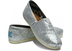 love my TOMS!