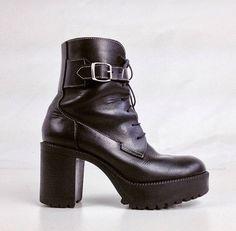 90's Vintage Chunky Black Leather Grunge Platform Buckle Boots size 9 by FeelingVagueVintage