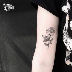 Tattoo feita pela @thuanitattoo. Tenha uma experiência marcante no Tattoo You. Somos considerado estúdio referência na América Latina, com mais de 38 Anos de experiência. Todas as criações produzidas pelos nossos profissionais são desenhos exclusivos para cada cliente. Aqui não existe catálogo de desenhos! Venha conhecer nossa Cultura e Lifestyle, a equipe fará você sentir-se em casa. Tatuagem, é no Tattoo You! Para agendamento,venha nos visitar no Classic Tattoo You www.tattooyou.com.br