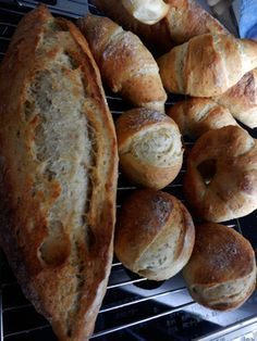 Material petit breads = 2 bread loaves) Strong powder 440 g Whole grain flour 60 g sugar 2 tsp. Lukewarm water 300 to 320 cc Pan Bread, Bread Cake, Bread Pizza, Peter Pan, Whole Grain Flour, Low Sodium Recipes, Western Food, I Love Food, Pain