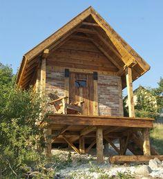 Cabin so adorable.