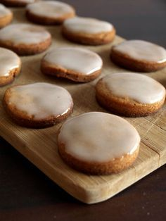 Biscuits pain d'épices Easy Cake Recipes, Sweet Recipes, Cookie Recipes, Biscotti Cookies, Galletas Cookies, Thermomix Desserts, No Cook Desserts, Chocolates, Biscuit Bar