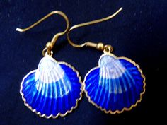 These earrings are a perfect gift for a lady. These drop earrings are crafted of durable highly polished stainless steel. Look and feel great with these designer earrings! Designer Earrings, Daily Fashion, Dangle Earrings, Shells, Dangles, Enamel, Gold, Gifts, Blue