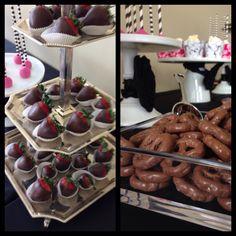 Black white and fuchsia theme candy bar Birthday Candy, Chocolate Fondue, Buffet, Black White, Bar, Sweet, Table, Desserts, Food